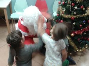 Babbo Natale con i bambini malati